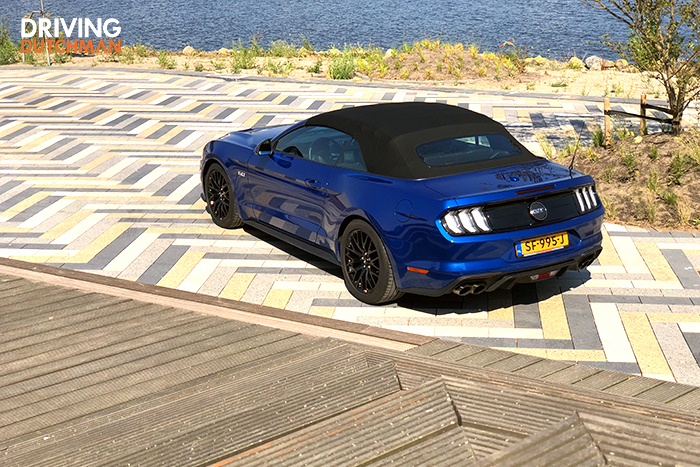 Rijtest Ford Mustang GT Convertible