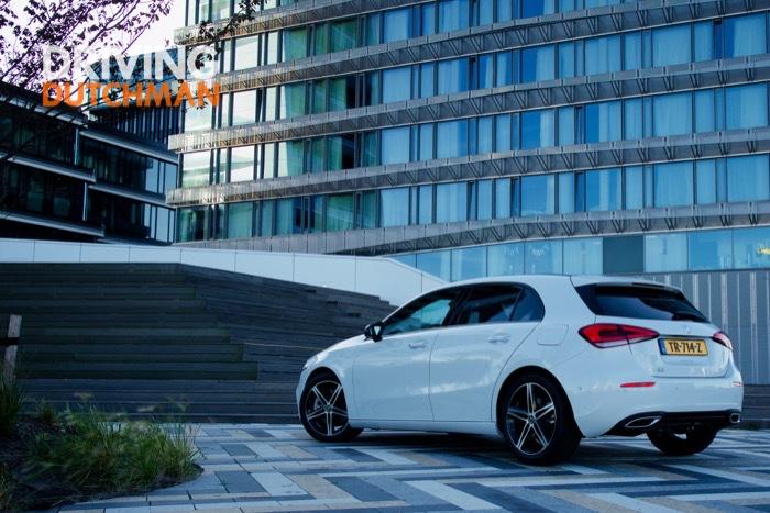Autotest Mercedes-Benz A met de klasse van een S Driving-Dutchman