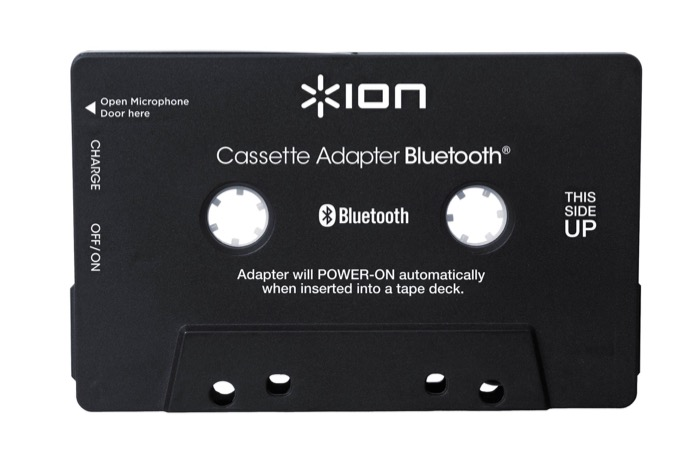 Cassettebandjes afspelen in de auto Driving-Dutchman