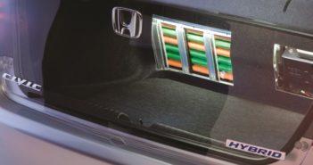 Honda Civic 4DR Hybrid rijdt, maar accu- en motor-storingslampje op dashboard blijven branden Driving-Dutchman