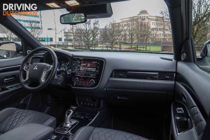 Test Mitsubishi Outlander PHEV 2019 Driving-Dutchman