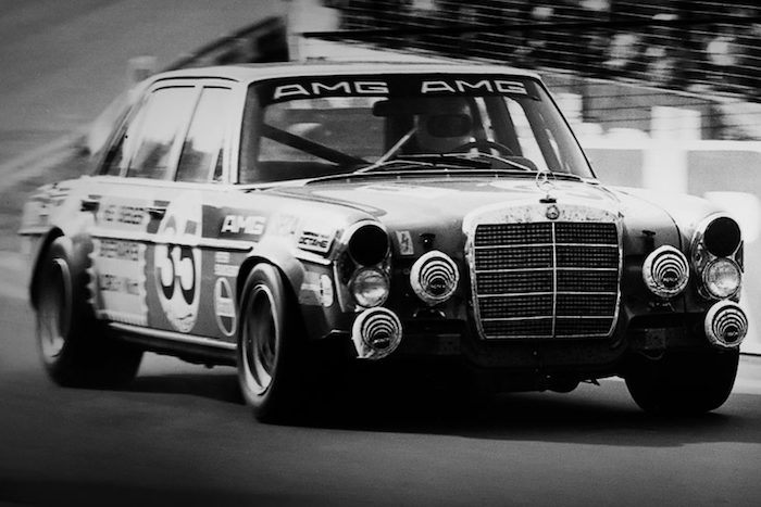 Mercedes-Benz 300 SE Driving-Dutchman AMG Experience