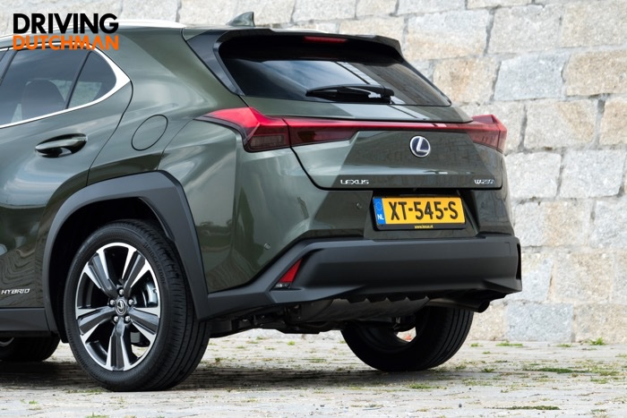 Test Lexus UX 250h Driving-Dutchman