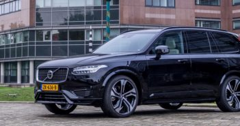 Volvo XC90 Driving-Dutchman