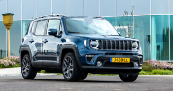 Autotest Jeep Renegade 4xe 240 pk Plug-in Hybrid Driving-Dutchman