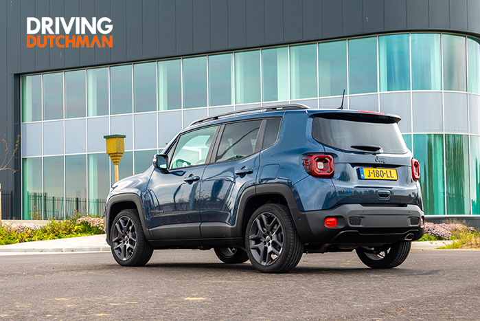 Autotest Jeep Renegade 4xe 240 pk Plug-in Hybrid Driving-Dutchman achterzijde